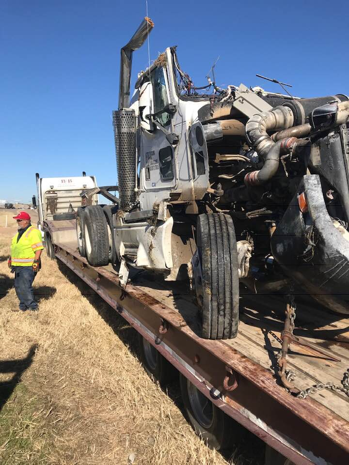 18-wheeler towing after crash
